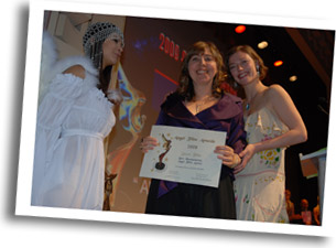 Marinella Setti Director of CHASOMOGAMY winner of the Humanitarian Angel Award
